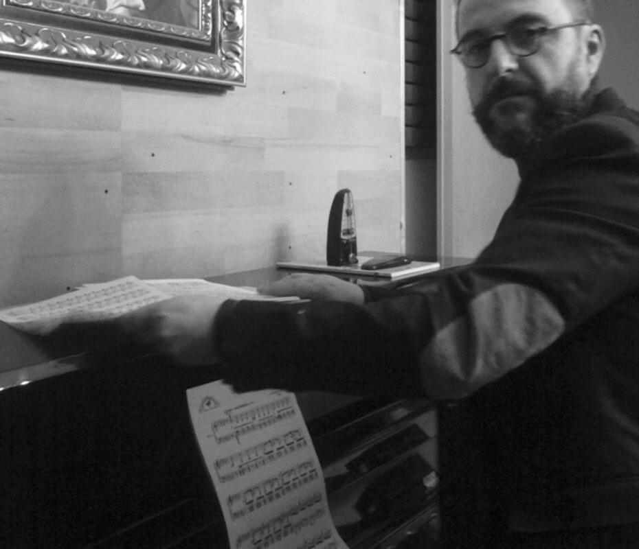 ...ciò che attira il musicista dall'esterno non è che un pretesto; svanirà alla fine dell'opera, quand'essa avrà preso forma. Edgard Varèse